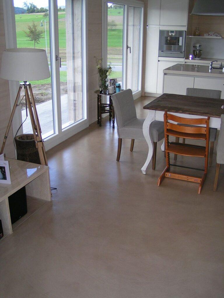 Bodenbelag, Küche und Essbereich
